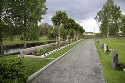 8 juni 2020 - Nya askgravplatsen på kyrkogården var klar.