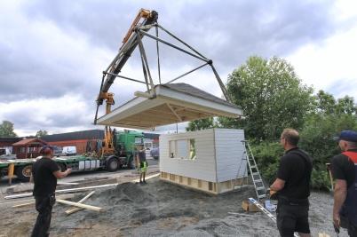 17 juni 2020 - Nygamla kiosken fick tak.