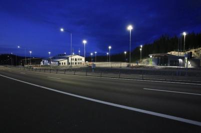 23 juni 2020 - Nya tullstationen vid gränsen stod redo att ta emot första lastbilen, tidigt på morgonen.