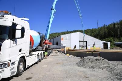 24 juni 2020 - Vid utbyggnaden av norbag var det dags att gjuta grund-plattan.