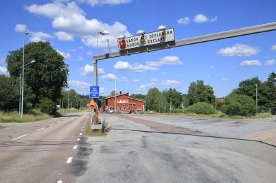 24 juni 2020 - Området vid gamla tull-stationen i Hån var tomt och öde, dagen efter flytten till nya tullstationen.