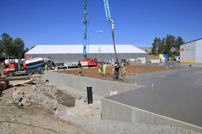 25 juni 2020 - Gjutningen av grund-plattan för utbyggnaden av norbag gick som en dans.