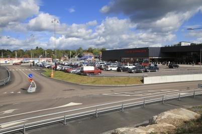 5 september 2020 - På parkeringen vid shoppingcentret kunde man se att norrmännen kommit tillbaka.