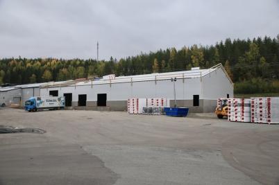 3 oktober 2020 - Vid Norbag isolerades taket på utbyggnaden.