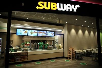 13 oktober 2020 - I shoppingcentret öppnade SUBWAY servering av snabbmat.