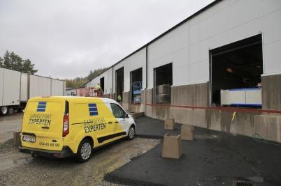 20 oktober 2020 - Vid bygget av Norbags nya fabriksdel monterades portar . . .