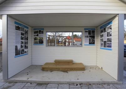 5 november 2020 - Kiosken i Kiosk-parken kompletterades med en historisk utställning.