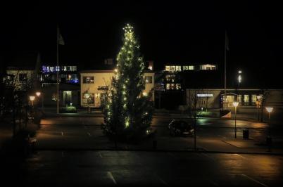 13 december 2020 - I Töcksfors centrum var det Luciastämning - utan Lucia.