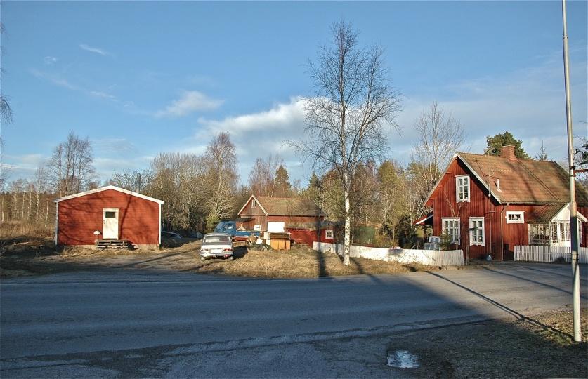 Hyreshuset byggdes på tomten där Hemvärnsgården låg. Bild från 2005, foto Bengt Erlandsson.