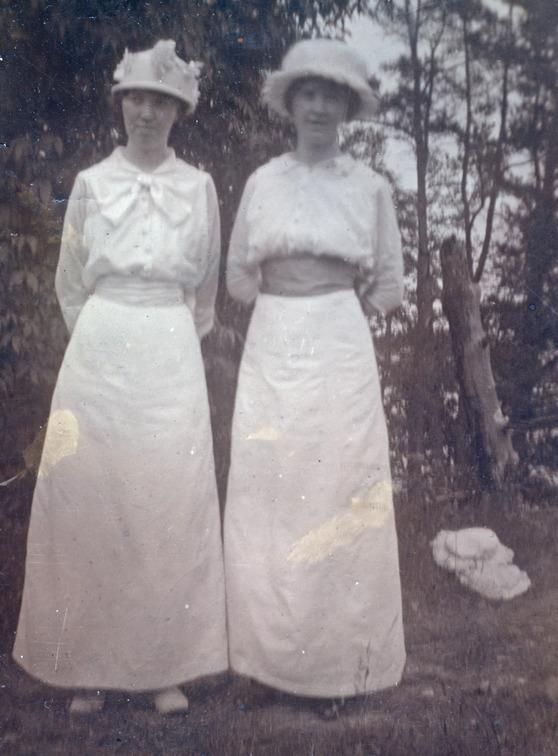 Emy och Svea 1912