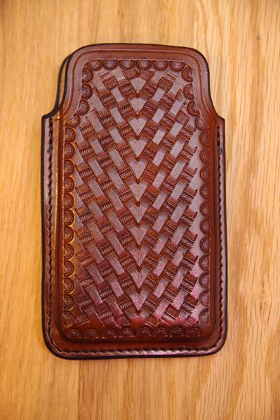 Handgraverat mobilhölster till Iphon 6 & 7 mellanbrunt