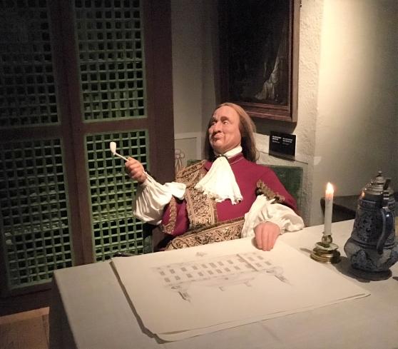 Vallonska handelsmän som Louis De Geer, kanske han på bilden, grundlade en effektiv järnhantering  i landet. Detta gav stora exportinkomster och  skapade stora förmögenheter under stormaktstiden, som manifesterades i praktslott.