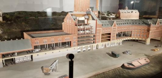 På Stadsmuseet finns en fin modell av Münchenbryggeriet. Där fanns Tullskolans lokaler 1985 - 2003. Foto; Petra Johfur