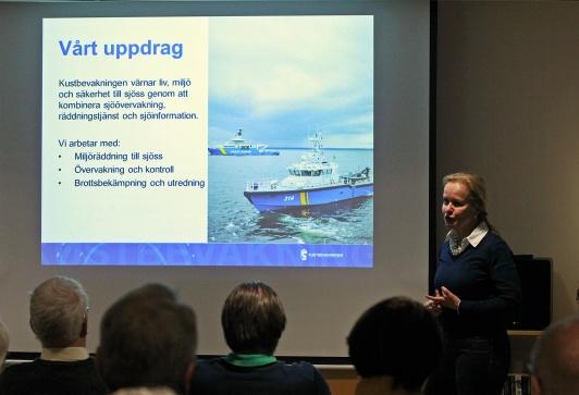 Generaltulldirektör Therese Mattsson berättade entusiastiskt om Kustbevakningens breda arbetsfält.  Foto Lars Höglund
