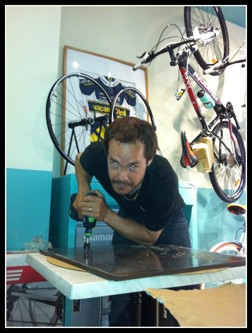 Montage servieringsbord Bianchi Café & Cycles