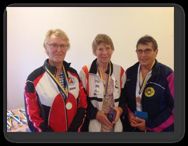 D75: 2:a Inger Olsson, Segrare Karin Lexell och 3:a Elvy Wetterskog