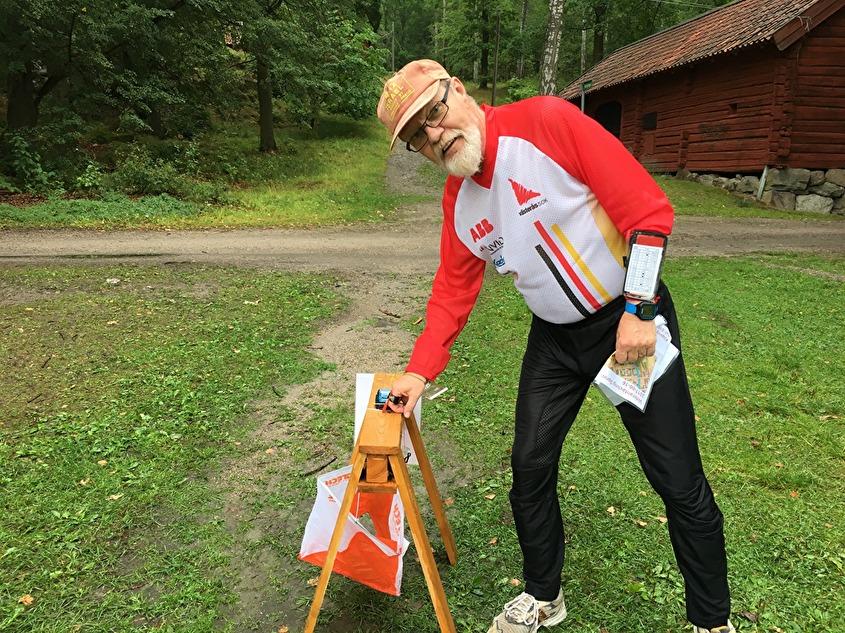 äldre kvinna söker äldre man 30 för relation köping