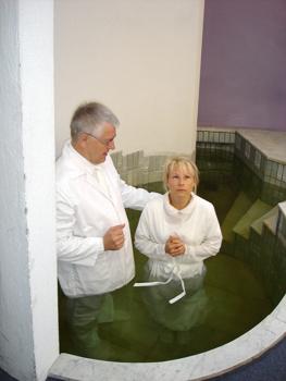 """Bibliskt dop. """"De gick båda ner i vattnet""""."""