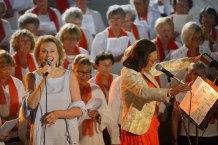 """Arja Saijonmaa och Yvonne af Ugglas """"in action""""."""