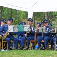 """Delar av Gunnebo Musikkårs saxsofon och flöjtsektion """"Anders Nilsson, Ola Ålstam, Liselott Johansson, Susanne Israel, Eva Henell"""" i  bakgrunden David Israel ( trumpet)"""