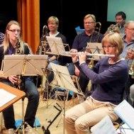 Två spelande flickor:Liselott Johansson ; Eva Henell. I bakgrunden ; Anders Ålstam ; Patrik Ålstam : Jonas Ålstam ; Jan Marberg ; Göran Rosenmüller ; Eva Larsson.