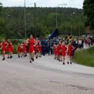 Westerviks Twirling Troup och Gunnebo Musikkår på väg till Hembygdsdagen