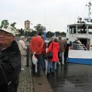 Ola Ålstam hälsar alla ombord.