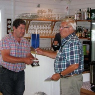 Jan Marberg gratuleras nyss fyllda 50. Hurra,hurra,hurra,hurra.