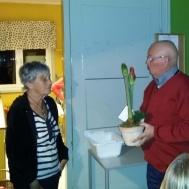 """Ola Ålstam tackade Birgitta, hon är med sin """"markservice"""" en ovärderlig tillgång för kåren."""