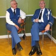 I väntan på att få börja : Ivan Persson , Gunnar Andersson.