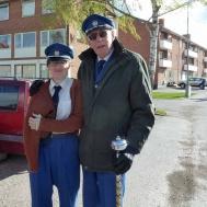 Det gäller att hålla sig varm tycker Sara Kånåhols och Gunnar Andersson