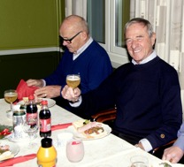 Göthe Medner , Roland Svensson se ut att trivas.