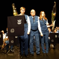 Stipendium från Lilly och Sven Hollanders minnesfond gick till Hanna Israel och Daniel Nordlund ,utdelare Ola Ålstam.