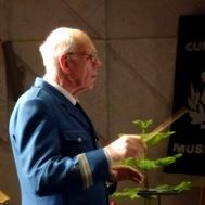 Musikkårens dirigent Gunnar Andersson.