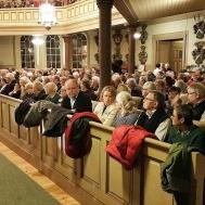 Fullsatt kyrka