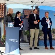 """Tomas Kronståhl och Harald Hjalmarsson kan pusta ut efter alla """" turer """" som det har vatit för att få färjförbindelse med Gotland."""