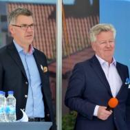 Vd. Ralph Axelson till vänster var mycket nöjd likaså  Stefan Daun