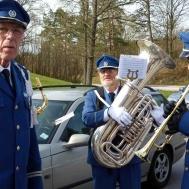 Så var det dax för marsch genom Gunnebo . Gunnar Andersson, Tomas Åstrand och Tommy Persson