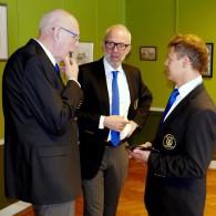 Gunnar Andersson,  Peter Andersson och Mats Nilsson funderar över kvällen