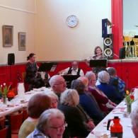 Under kaffepausen underhöll Västerviks Caféorkester på ett förtjänstfullt sätt.