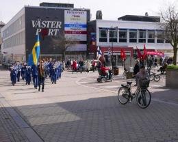 På marsch till Stadsparken