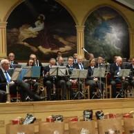 """Musikkåren väntar på uppslag till """"Adeste Fideles"""""""