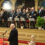Bernt Ahlström tackade musikkår Kulturskolans blåsare och publik för en trevlig kväll