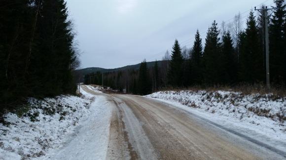 Längre bort från Furuhult, det här är vägen ner i dalen.