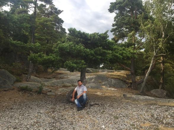 Vi hittar en häftig liten bonsai-beach i närheten av Nynäshamn.