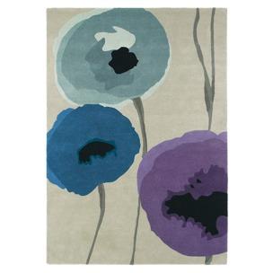 Sanderson Matta Poppies Indigo/Purple art. 45705 Fyra storlekar. Mattprov 30x30 cm som lån, Kampanj 25% rabatt på hela köpet över 5000 kr (gäller ej rea och tyger) KOD. GTGYTKXL