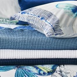 A Nyhet Designers Guild Våfelfilt/Överkast Alba Midnight 244x224cm BLDG0159 (2-Pack)