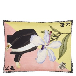 Christian Lacroix Kudde Monsieur Fleur Bleu Nigelle Cushion 60 x 45cm CCCL0577 (2-PACK ) Kampanj 25% rabatt på hela köpet över 5000 kr (gäller ej rea och tyger) KOD. GTGYTKXL