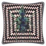 Christian Lacroix Kudde Beetle Waves Oeillet Cushion 40 x 40cm CCCL0575 (2-PACK ) Kampanj 25% rabatt på hela köpet över 5000 kr (gäller ej rea och tyger) KOD. GTGYTKXL - Visar Kudde baksida