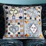 Christian Lacroix Kudde Poker Face Multicolore Cushion 50 x 50cm CCCL0573 (1-PACK ) Kampanj 25% rabatt på hela köpet över 5000 kr (gäller ej rea och tyger) KOD. GTGYTKXL - 2-pack Kuddar med rabatt